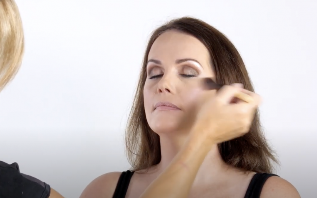 How to subtly Contour and Highlight your face for expert shaping