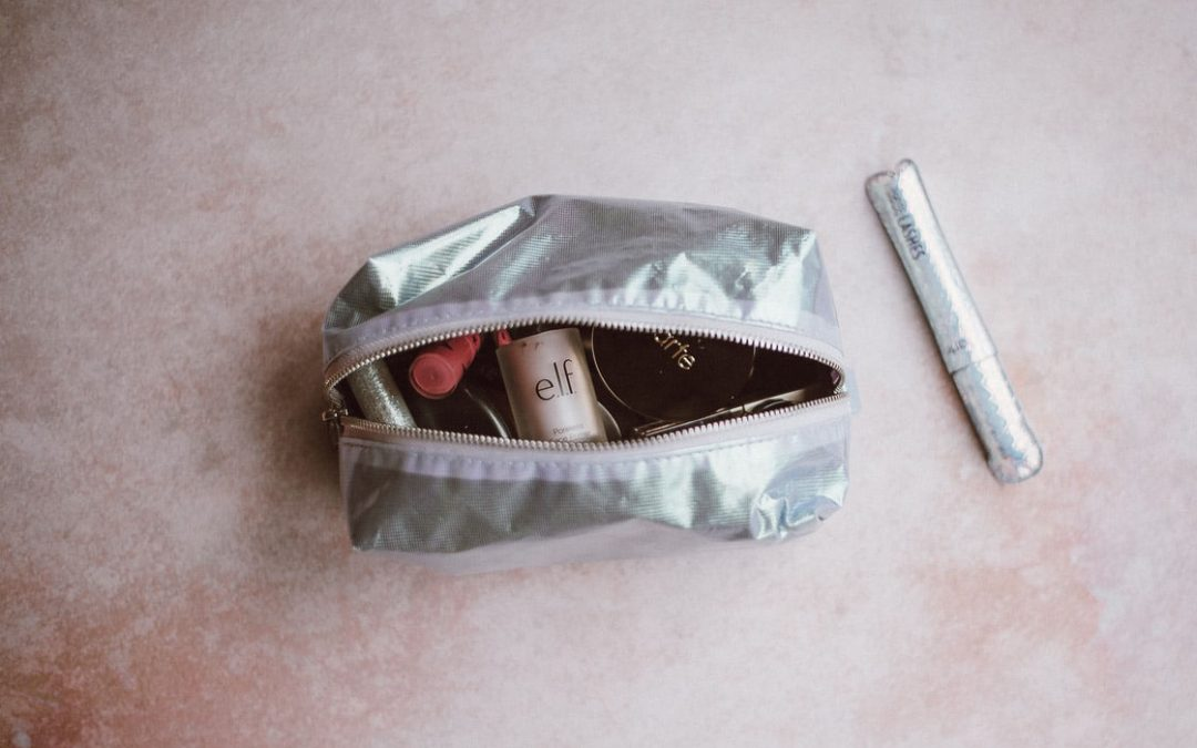 How To Make a DIY Makeup Bag